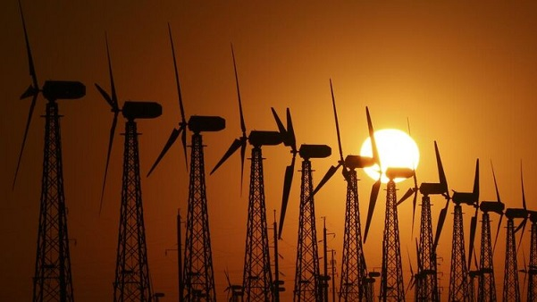 """Расплатиться с """"зелеными"""". Как из-за войны олигархов на энергорынке готовятся поднять тарифы для населения"""